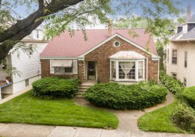 5526 Leland Avenue, Chicago, Illinois 60630, 3 Bedrooms Bedrooms, 6 Rooms Rooms,1 BathroomBathrooms,Single Family Home,For Sale,Leland,10430227