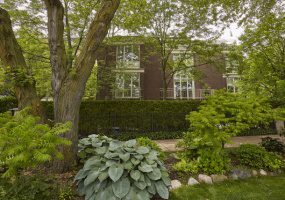 801 Castlewood Terrace, Chicago, Illinois 60640, 3 Bedrooms Bedrooms, 9 Rooms Rooms,3 BathroomsBathrooms,Single Family Home,For Sale,Castlewood,10425618