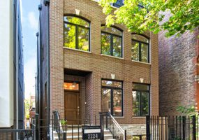 2224 LYNDALE Street, Chicago, Illinois 60647, 6 Bedrooms Bedrooms, 11 Rooms Rooms,4 BathroomsBathrooms,Single Family Home,For Sale,LYNDALE,10481354