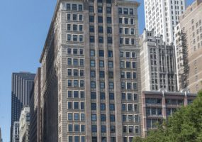 6 MICHIGAN Avenue, Chicago, Illinois 60602, 3 Bedrooms Bedrooms, 6 Rooms Rooms,2 BathroomsBathrooms,Condo,For Sale,MICHIGAN,10506729