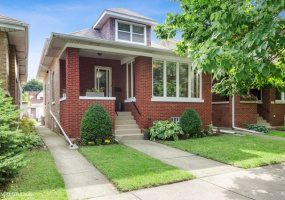 5023 MONITOR Avenue, Chicago, Illinois 60630, 4 Bedrooms Bedrooms, 9 Rooms Rooms,2 BathroomsBathrooms,Single Family Home,For Sale,MONITOR,10522131