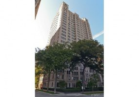 1500 Lake Shore Drive, Chicago, Illinois 60610, 3 Bedrooms Bedrooms, 9 Rooms Rooms,4 BathroomsBathrooms,Condo,For Sale,Lake Shore,10523625