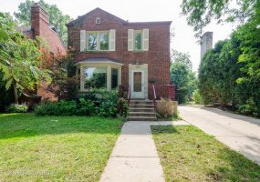 2923 Morse Avenue, Chicago, Illinois 60645, 4 Bedrooms Bedrooms, 8 Rooms Rooms,2 BathroomsBathrooms,Single Family Home,For Sale,Morse,10523680