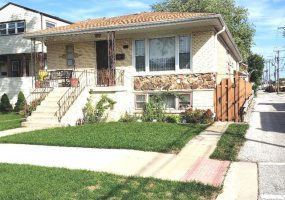 4815 Neenah Avenue, Chicago, Illinois 60656, 3 Bedrooms Bedrooms, 7 Rooms Rooms,3 BathroomsBathrooms,Single Family Home,For Sale,Neenah,10533913