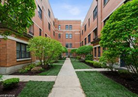 3842 Southport Avenue, Chicago, Illinois 60613, 4 Bedrooms Bedrooms, 8 Rooms Rooms,3 BathroomsBathrooms,Condo,For Sale,Southport,10536425