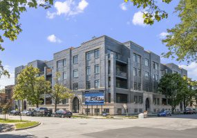 5748 Hermitage Avenue, Chicago, Illinois 60660, 5 Bedrooms Bedrooms, 8 Rooms Rooms,3 BathroomsBathrooms,Condo,For Sale,Hermitage,10540812