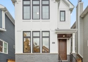 4153 Claremont Avenue, Chicago, Illinois 60618, 5 Bedrooms Bedrooms, 9 Rooms Rooms,4 BathroomsBathrooms,Single Family Home,For Sale,Claremont,10556065