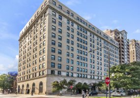 2100 Lincoln Park West Avenue, Chicago, Illinois 60614, 5 Bedrooms Bedrooms, 10 Rooms Rooms,5 BathroomsBathrooms,Condo,For Sale,Lincoln Park West,10569290