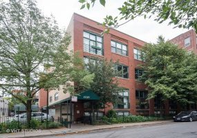 1737 Paulina Street, Chicago, Illinois 60622, 2 Bedrooms Bedrooms, 5 Rooms Rooms,1 BathroomBathrooms,Condo,For Sale,Paulina,10577902