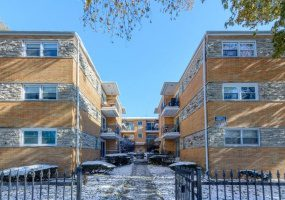 4339 Kedvale Avenue, Chicago, Illinois 60641, 1 Bedroom Bedrooms, 4 Rooms Rooms,1 BathroomBathrooms,Condo,For Sale,Kedvale,10581846