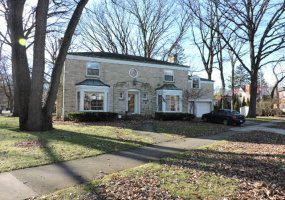 6944 Ionia Avenue, Chicago, Illinois 60646, 4 Bedrooms Bedrooms, 8 Rooms Rooms,2 BathroomsBathrooms,Single Family Home,For Sale,Ionia,10587057